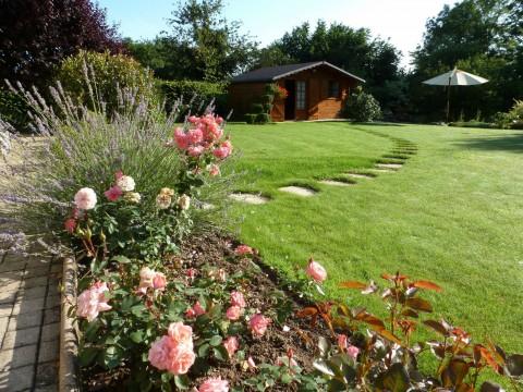 Chariot de jardin pour un entretien parfait espace zen for Joli jardin sans entretien
