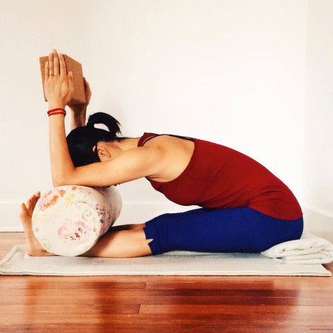 Choisir un bolster de yoga